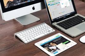Quel matériel IT peut-on emporter chez soi pour télétravailler ? (FR/EN)